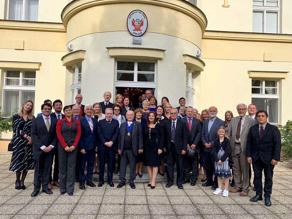https://horsky.estranky.cz/img/original/212/spolecna-fotografie-z-udeleni-radu-19.9.2019.jpg